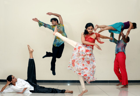 Rhythmotion – Indian Classical & Contemporary dance company